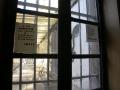 Accès à la cour de promenade des femmes avant la fermeture de la prison en 2009