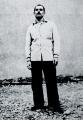 Salah Dehil dans la cour de la prison Montluc avant son exécution